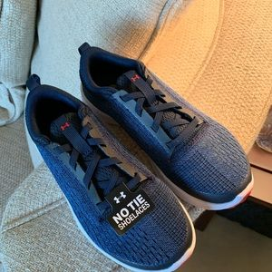 Under Armour New with tags Blue size 1Y